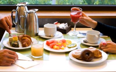 Ideas para fomentar los desayunos y cenas fuera del hogar