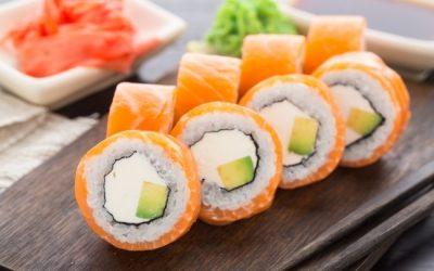 Maki de salmón y queso crema