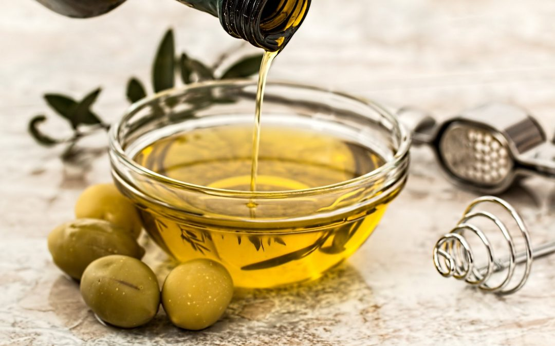 El aceite de orujo de oliva más saludable y mejor para frituras que el aceite de girasol.